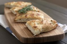 I love Focaccia- This recipe turned out awesome.  Had to use quite a bit of flour as it was very sticky.  The end result tasted like Macaroni Grill bread!  Yum!