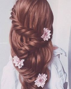 Ulyana Aster Romantic Long Bridal Wedding Hairstyles_02 ❤ See more: http://www.deerpearlflowers.com/romantic-bridal-wedding-hairstyles/2/