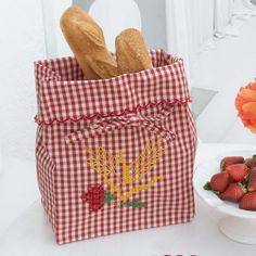 Chicken Scratch, Candy Boxes, Little Things, Craft Gifts, Home Crafts, Couture, Diaper Bag, Buffet, Embroidery