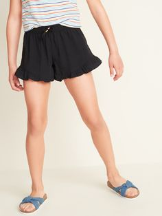 Old Navy Soft Ruffle-Hem Pull-On Shorts for Girls Toddler Girl Gifts, Toddler Boy Fashion, Toddler Girl Style, Baby Girl Fashion, Toddler Boys, Old Navy Gap, Old Navy Girls, Shop Old Navy, Maternity Shops