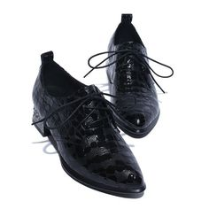 Chic England Women Low Heel Ankle Boots Shiny Faux Leather Lace Up Pointed Toe
