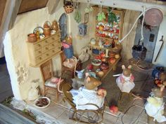 """Miniature Mouse House, Brambly Hedge inspired, made in Rik Pierce """"Storybook Cottage"""" class - pillisminis.de"""