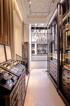 The Style Examiner: Burberry Opens First Beauty Space in London