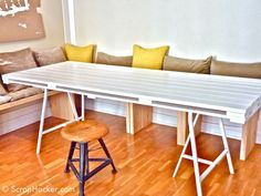 diy white pallet dining table 11 DIY Dining Tables To Dine In Style other Pallet Furniture Designs, Wooden Pallet Furniture, Diy Furniture Projects, Furniture Plans, Wooden Pallets, Diy Projects, Project Ideas, Pallet Wood, Euro Pallets