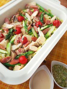 ホットプレート☆ホットサラダ Pasta Salad, Cobb Salad, Cooking Recipes, Ethnic Recipes, Food, Meal, Chef Recipes, Eten, Hoods