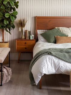 Earthy Bedroom, Wood Bedroom, Small Room Bedroom, Room Ideas Bedroom, Aesthetic Bedroom, Dream Bedroom, Sage Bedroom, Natural Bedroom, Bed Rooms