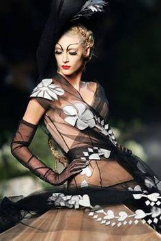 John Galliano for Christian Dior Fall 2005 Haute Couture