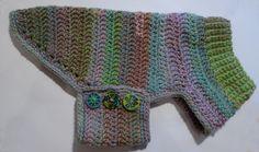 Mini + Dachshund + Sweater + to + Crochet Dog Sweater Pattern, Crochet Dog Sweater, Crochet Cozy, Dog Pattern, Crochet Sweaters, Crochet Pet, Small Dog Sweaters, Cat Sweaters, Crochet Dog Clothes