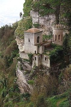 Italy Travel Inspiration - At the Cliff Castle in Trapani, Sicily, Italy. #italytravelinspiration #ItalyTravel #ItalyArchitecture #ItalyTravelInspiration #ItalyTrip #ItalyArt