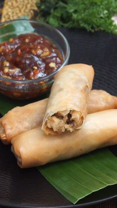 Discover recipes, home ideas, style inspiration and other ideas to try. Savory Snacks, Snack Recipes, Cooking Recipes, Easy Cooking, Malay Food, Lumpia, Ramadan Recipes, Malaysian Food, Indonesian Food