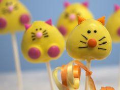 Yellow cats cake pops