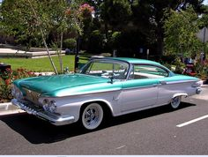 Vintage Trucks 1961 Plymouth Fury---Mine had a rectangular steering wheel Plymouth Cars, Plymouth Savoy, Ford, Us Cars, Vintage Trucks, American Muscle Cars, Retro Cars, Chevy Trucks, Mopar