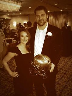 Congrats to Sebastian Vollmer for receiving the Patriots 2013 Ed Block Courage Award this week!