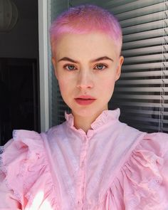 Shaved Head Women, Girls With Shaved Heads, Pixie Styles, Short Hair Styles, Buzzed Hair Women, Shaving Your Head, Super Short Hair, Love Hair, Colorful Hair