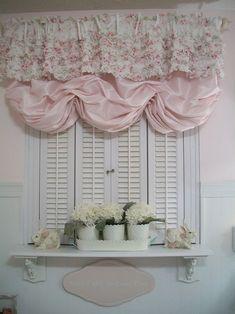 Bathroom Shabby Cottage Chic Design, love the window treatment