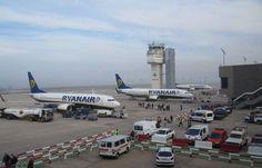 Tanie loty do popularnych miast Europy. Jak i za ile dojechać z podmiejskich lotnisk?