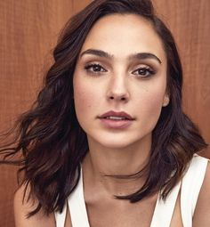 [LMH] Gal Gadot ( If you like my pins then pls. Follow my boards for more updates )