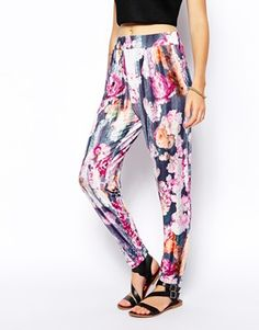 #leggings #pants #trousers #floral #print #colorful #fashion #cool #streetstyle