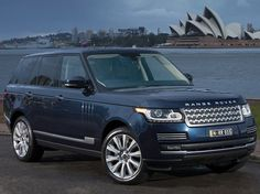 Range Rover Vogue SE SDV8 >> available for rental in Cote d'Azur and Paris by Saintrop.com!