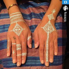 Love waking up to sweet testimonials!!  A moroccan fusion design for the gorgeous and lovely @fozaza!! #Repost @fozaza with @repostapp.・・・Finally did the white henna with the talented & super sweet @sarashenna All the way from Hong Kong  #FozazaRamadan #abudhabi #henna #lifestyle #whitehenna #ramadanvibes #moroccan #fusion #hennaart #travelingwithacone #travel #mehendi #AlHambraAffair @thenailpavilion