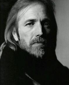 R.i.P Tom Petty Die at 66 :-: Vai em paz