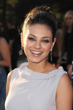 Hollywood Girls, Hollywood Fashion, Hollywood Actresses, Actors & Actresses, Annie 2014, Mila Kunis Eyes, Mila Kunis Makeup, Brunette Beauty, Hair Beauty