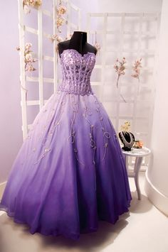 vestidos para 15 anos | Vestidos de 15 anos modelos 2012. | Meu Club Quince Dresses, Gala Dresses, Prom Party Dresses, Quinceanera Dresses, Cute Dresses, Beautiful Dresses, Formal Dresses, Wedding Dresses, Dress Party