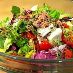 Arab tonhalsaláta   Nosalty Cobb Salad, Food, Cilantro, Red Peppers, Essen, Meals, Yemek, Eten