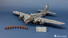 "Brickmania 2183 B-17G ""Flying Fortress"" WWII Heavy Bomber [Review] 