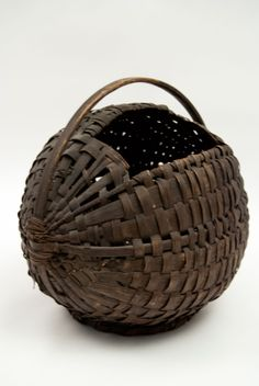 American Country Primitive Antiques | ... Century Antique American Chestnut Gathering Basket Country Primitive