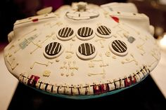Millennium Falcon cake. Recognize.