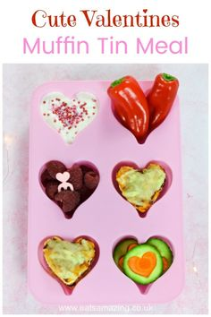 Cute heart themed muffin tin meal for kids with mini heart pizzas - a fun and easy Valentines food idea for toddlers that's great for baby led weaning too! Valentine Drinks, Valentines Baking, Valentines Day Food, Homemade Valentines, Valentine Treats, Toddler Meals, Kids Meals, Toddler Food, Valentine's Day Drinks