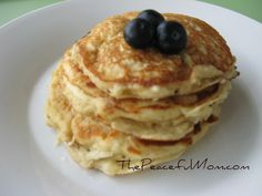 Leftover Oatmeal Pancakes-sweet, light and fluffy Oatmeal Pancakes, Pancakes And Waffles, Fluffy Pancakes, Real Food Recipes, Cooking Recipes, Yummy Food, Brunch Recipes, Breakfast Recipes, Oatmeal Recipes