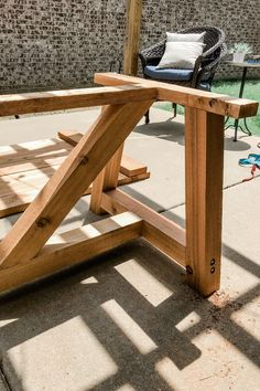 One of Angela and I's favorite part about our house is our backyard, patio, and our DIY Outdoor Dining Table. A guide to a DIY table and bench. Outdoor Table Plans, Outdoor Tables, Outdoor Dining, Outdoor Decor, Wooden Outdoor Table, Diy Dining Table, Patio Table, Picnic Table, Patio Diy