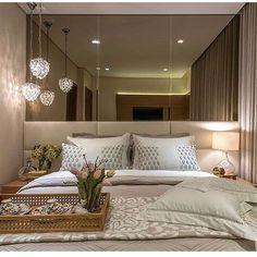 """1,240 curtidas, 23 comentários - AG Arquitetura e Interiores (@ag.arqeinteriores) no Instagram: """"Inspiração para quarto de casal! Lindo quarto, e esse espelho bronze?! Perfeito!! Autoria de…"""""""