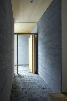 素材感のある玄関|HouseNote(ハウスノート)
