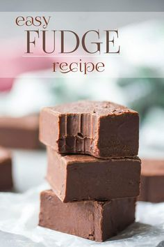 Fudge Easy Homemade Chocolate Fudge: just 4 simple ingredients, and it only takes 10 minutes to make.Easy Homemade Chocolate Fudge: just 4 simple ingredients, and it only takes 10 minutes to make. Best Chocolate Fudge Recipes, Easy Chocolate Fudge, Homemade Chocolate, Easy Fudge, Paleo Fudge, Simple Fudge Recipe, Easy Microwave Fudge, Nutella Fudge, Melting Chocolate