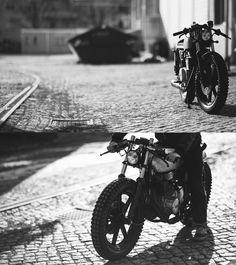 Yamaha-XS-360-rear-side.jpg (1200×1351)