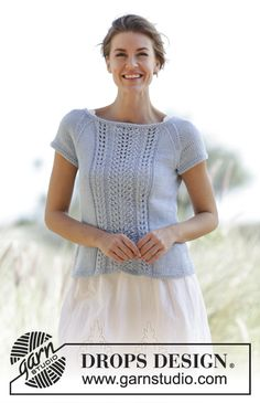 Knitted DROPS top with lace pattern, raglan and short sleeves in Paris. Size: S - XXXL. Free pattern by DROPS Design. Drops Design, Summer Knitting, Free Knitting, Sweater Knitting Patterns, Knit Patterns, Crochet Shirt, Knit Crochet, Summer Sweaters, Raglan