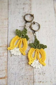 Pant Crochet Rings, Crochet Art, Crochet Crafts, Yarn Crafts, Crochet Flowers, Crochet Projects, Crochet Patterns, Crochet Earrings Pattern, Crochet Necklace
