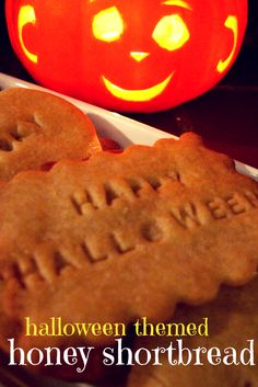 Light, crisp & delicately flavoured, these honey shortbread biscuits are perfect for Halloween! Quick & easy, a sure-fire winner :-)