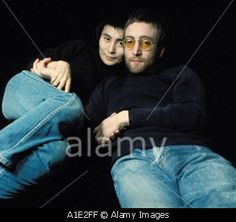 Download this stock image: John Lennon and Yoko Ono London 1970 - A1E2FF from Alamy's library of millions of high resolution stock photos, Stock Photo, illustrations and vectors.