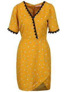 Hořčicové šaty se vzorem Trollied Dolly Cross