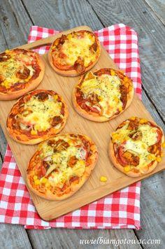 Pizzerinki Ketogenic Recipes, Low Carb Recipes, Diet Recipes, Healthy Recipes, Sleepover Food, B Food, Polish Recipes, Pizza, Food And Drink