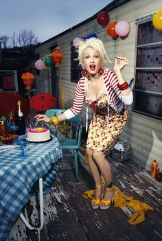 Cyndi Lauper- My style Icon. Love every single thing about this photo Cyndi Lauper, Trailer Trash Party, White Trash Party, Soft Gamine, Music Tv, Ideias Fashion, Celebs, Retro, Chic