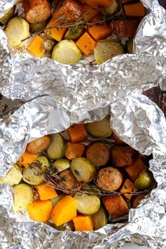 50+ best foil packet dinner recipe ideas Tin Foil Dinners, Foil Packet Dinners, Foil Pack Meals, Salmon Foil Packets, Chicken Foil Packets, Shrimp Boil Foil, Foil Packet Potatoes, Pork Chops And Potatoes, Easy To Make Dinners