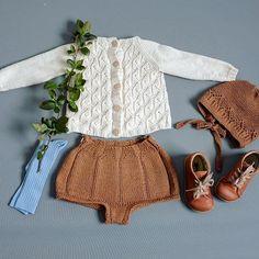@hoppestrikk #kranseshorts uten flette passer både til jente og gutt. Her sammen med vår favoritter❤️❤️ #hoppestrikk Boho Shorts, Lace Shorts, Baby Knitting, Crochet, Romper, Cool Outfits, Photo And Video, Tights, Instagram
