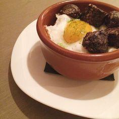 La vida { Huevo de corral estrellado con butifarra negra de Benifallet   #food #foodporn #vscocam
