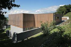 Haus DB Klaus — ARCHITEKTUR Jürgen Hagspiel Concrete Wood, House On A Hill, Cabana, Outdoor Furniture, Outdoor Decor, Modern, Villa, House Ideas, Houses