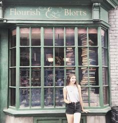 Don't forget to take a photo at the store front of Flourish and Blotts in The Wizarding World of Harry Potter - Diagon Alley located at Universal Studios Florida. (IG Cred: @alexandra.joyce)